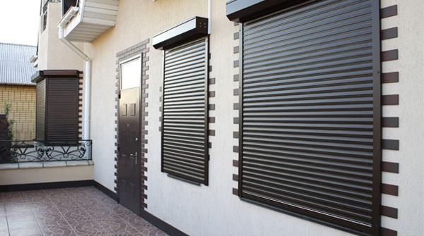 Защитные рольставни для окон и дверей